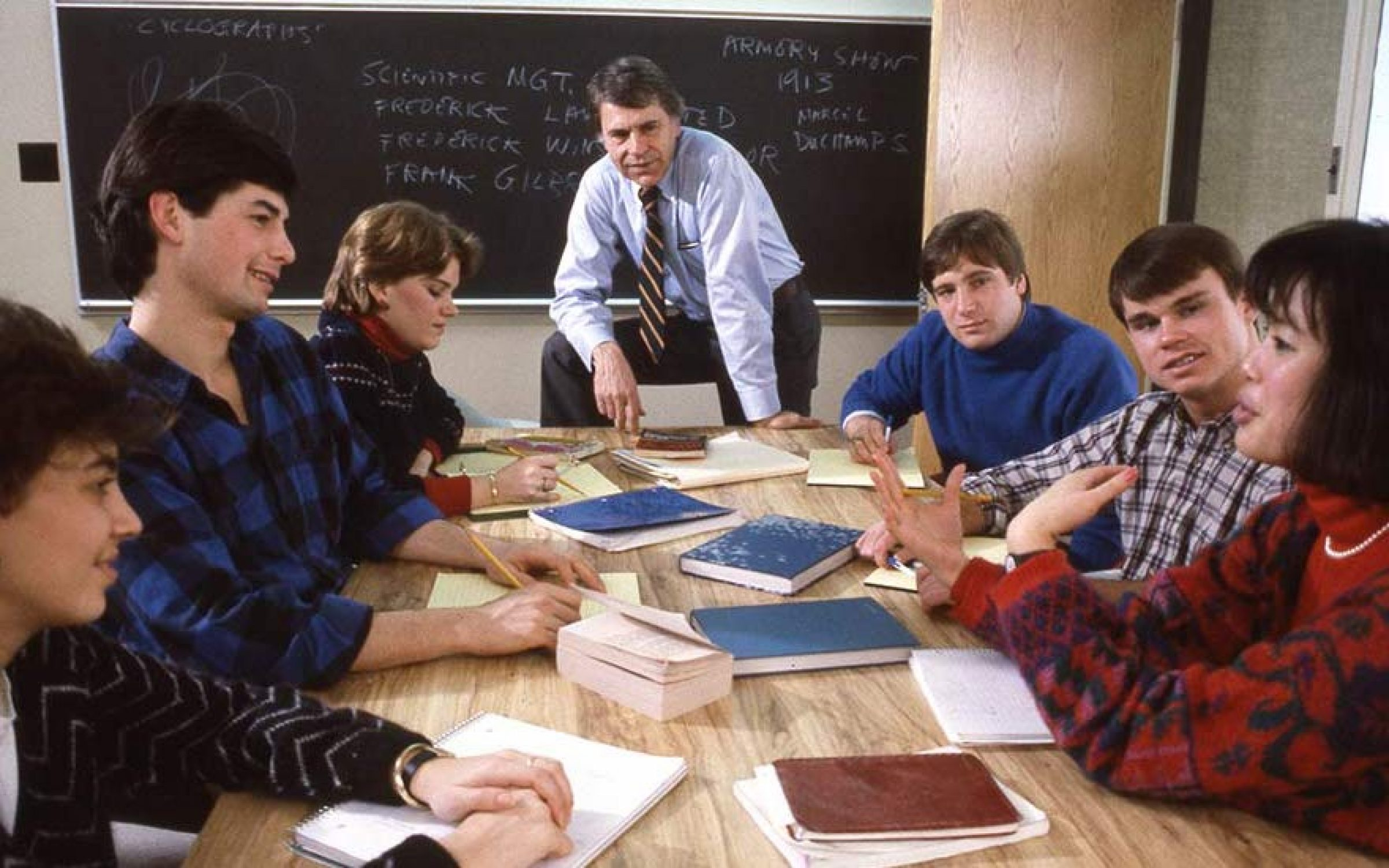 Christopher Lasch, centre, teaching a class at the University of Rochester, USA. Credit: University of Rochester.