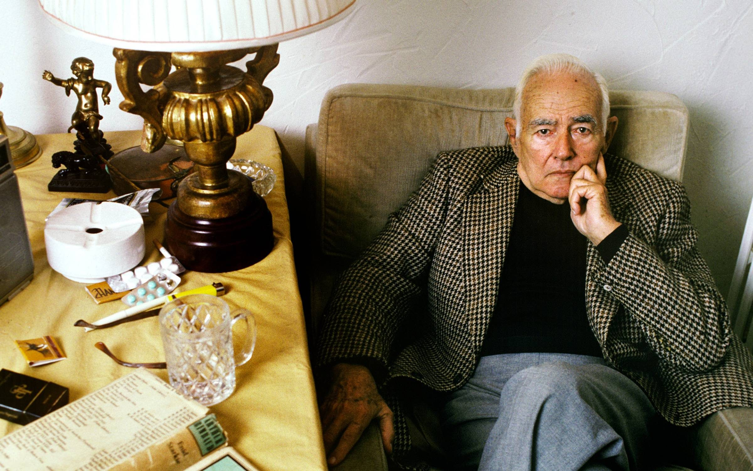 GRASSE;FRANCE - OCTOBER 18: American writer Frederic Prokosch (1908-1989) poses at home in Grasse,France on the 18th of October 1987. (Photo by Ulf Andersen/Getty Images)