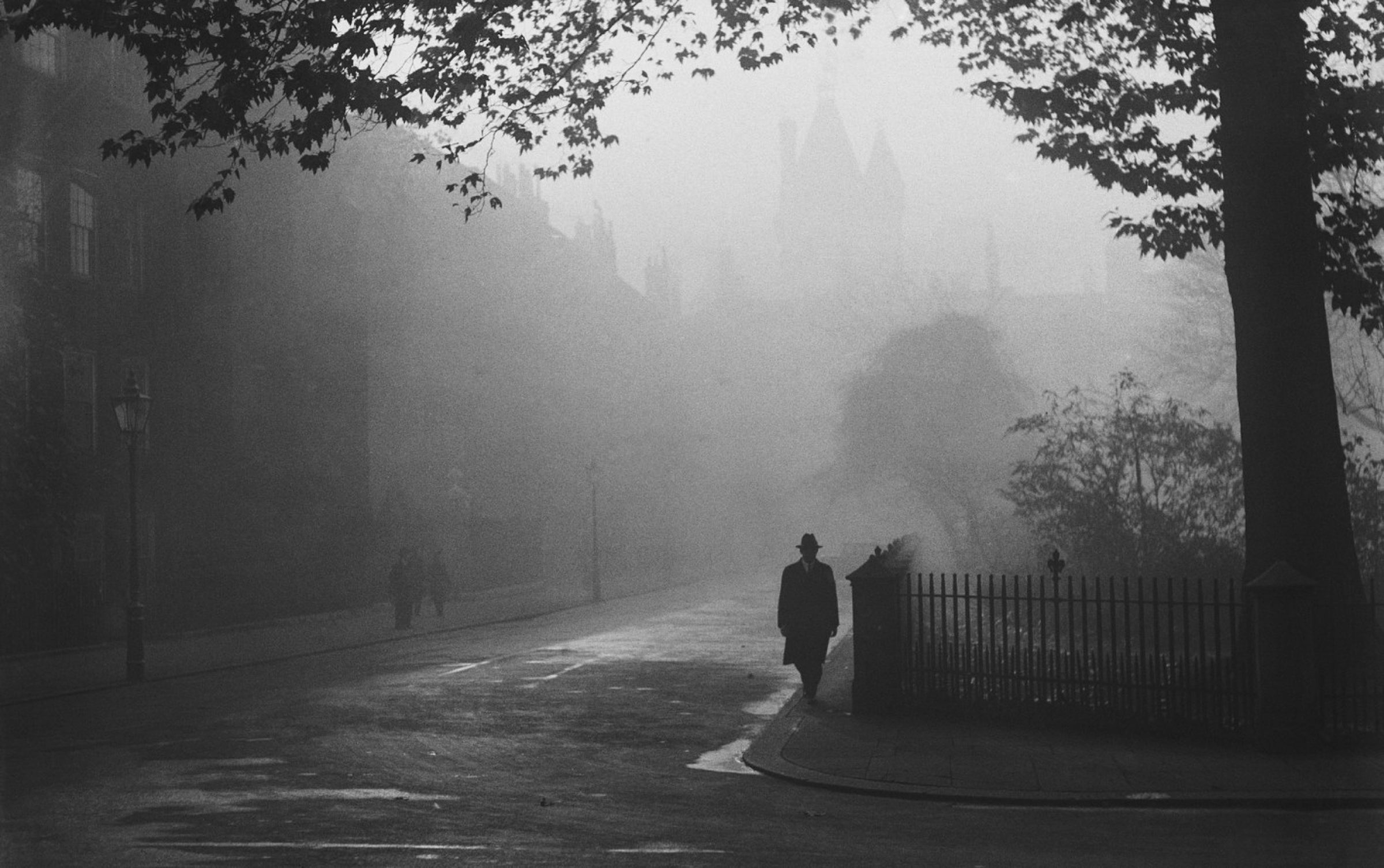 A foggy day in London, 1932. Credit: General Photographic Agency/Getty Images.