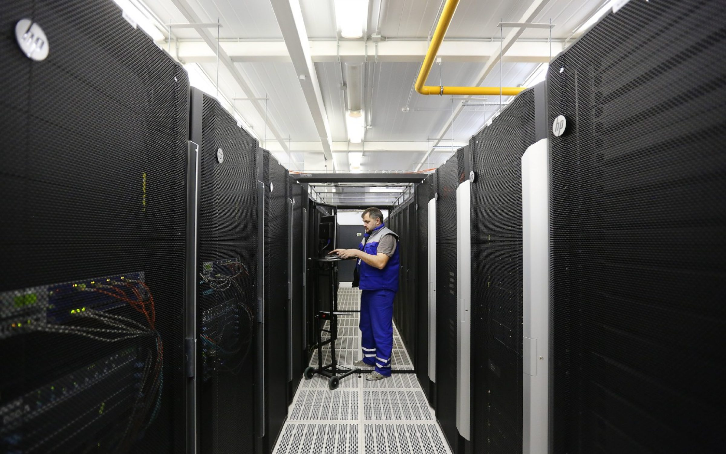 A technician in the server hall of the Russian state telecommunications operator.